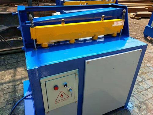 彩钢剪板机